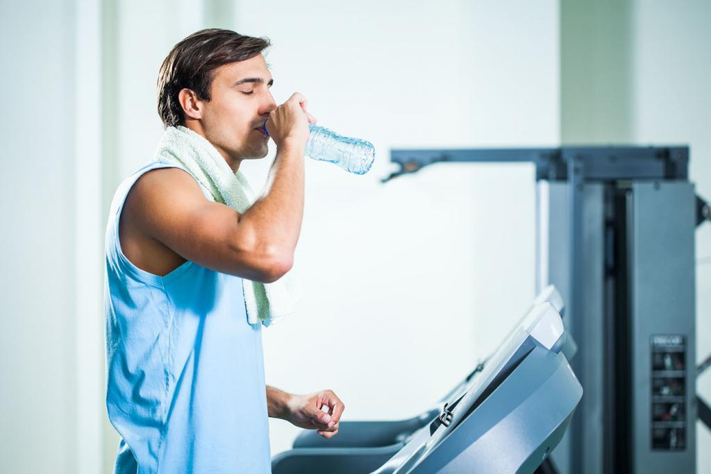 drinking water during treadmill exercise